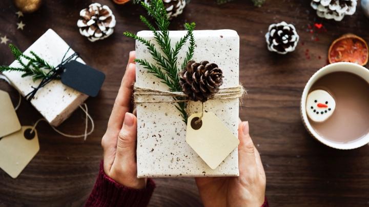14 idées de cadeaux de dernière minute qui ne te feront pas avoir l'aircheap